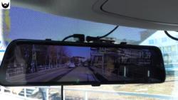 самое большое зеркало - видеорегистратор Jado D840